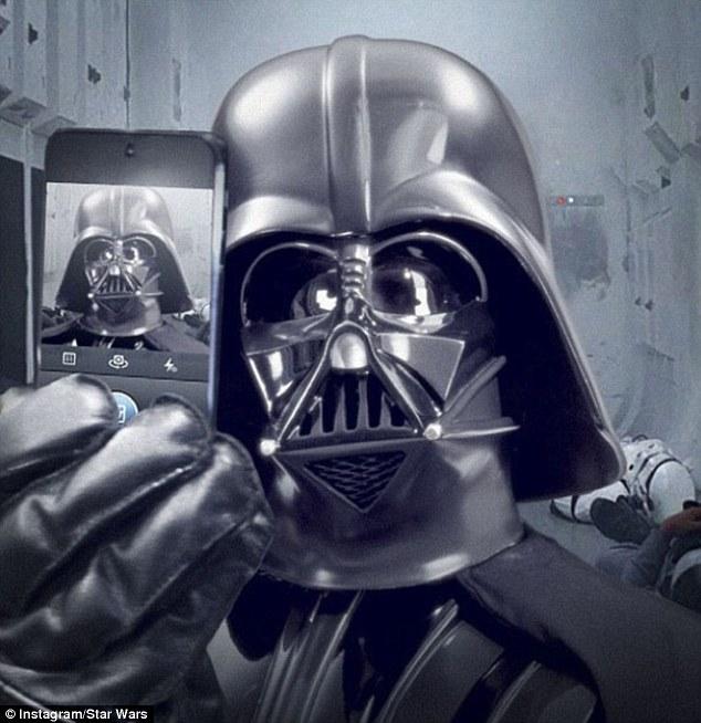 Darth-Vader-Poses-For-A-Selfie
